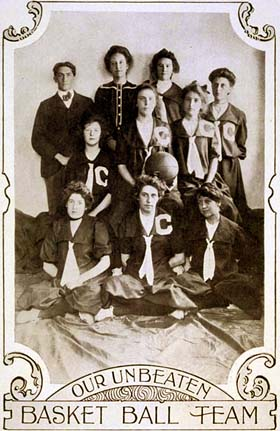 Image: Women's Basketball Team - 1902